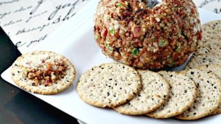 Bacon, Pepper & Pecan Cheese Ball